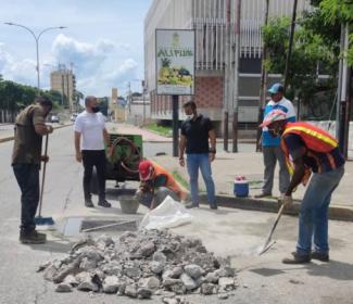 Alcalde Pedro Bastidas Inspeccionó reparación de la tanquilla #15 del año