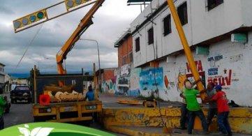 Continúa modernización de semáforos en Maracay